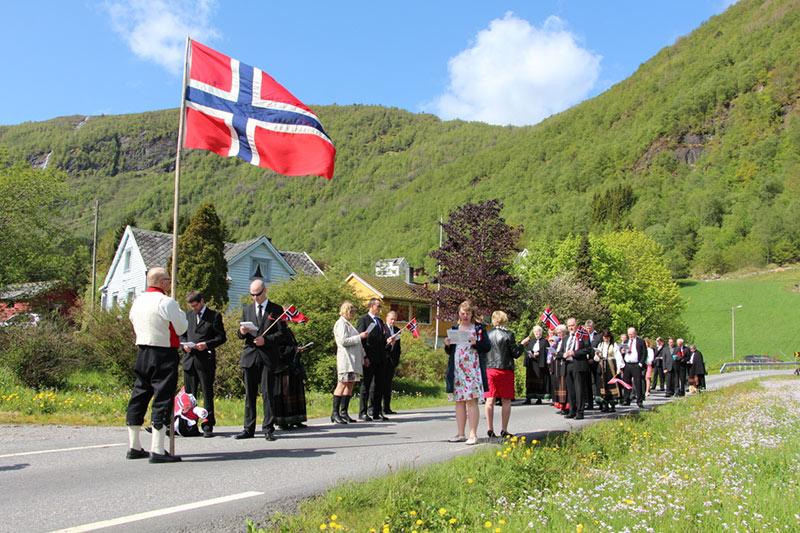 17-mai i Ikjefjord 2014